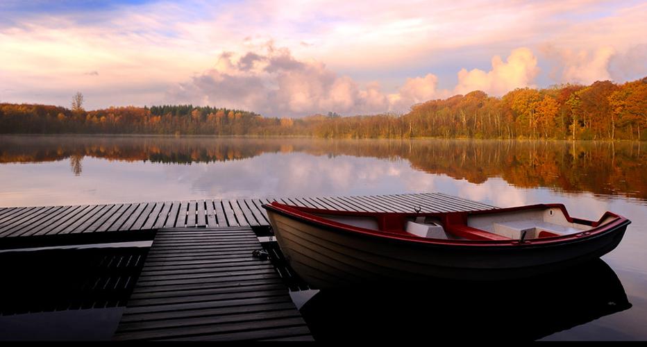 картинка из шаблона лодка и облака